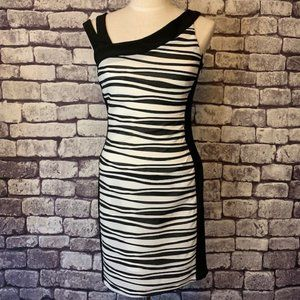 Frank Lyman Design Bandage Style Dress Size 4